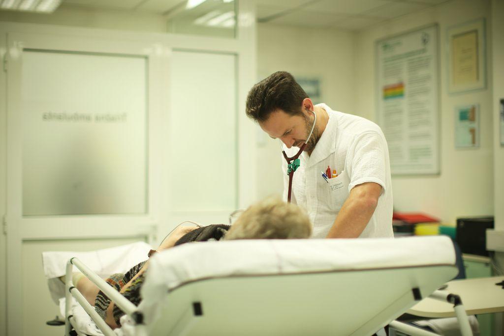 Bolniki se počutijo kot številke