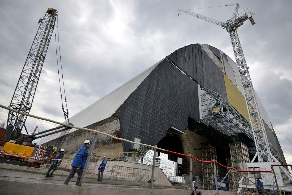 Preoblekli so černobilski reaktor