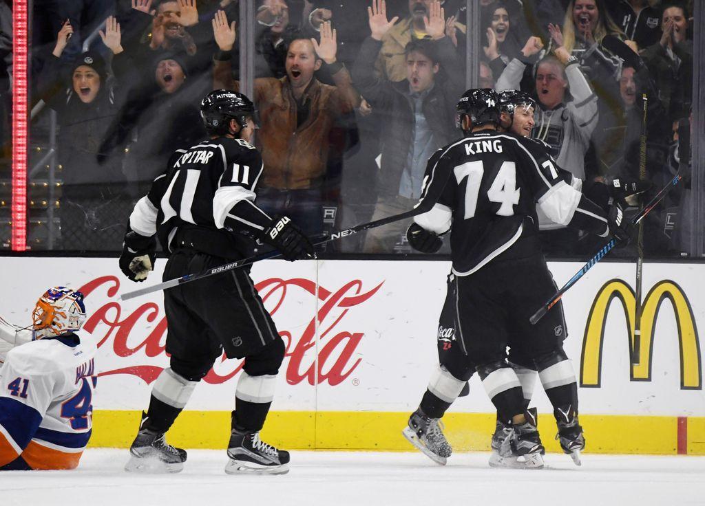 NHL: Kopitar se je vrnil s podajo, trije goli Kraljev v 44 sekundah