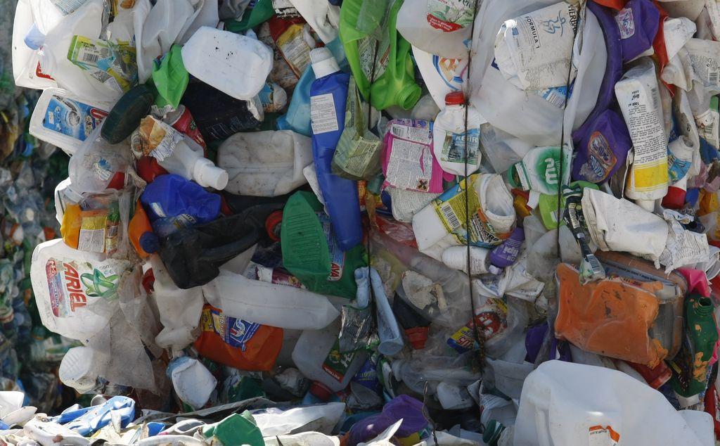 Embalaža ima več funkcij, a misliti je treba tudi na recikliranje