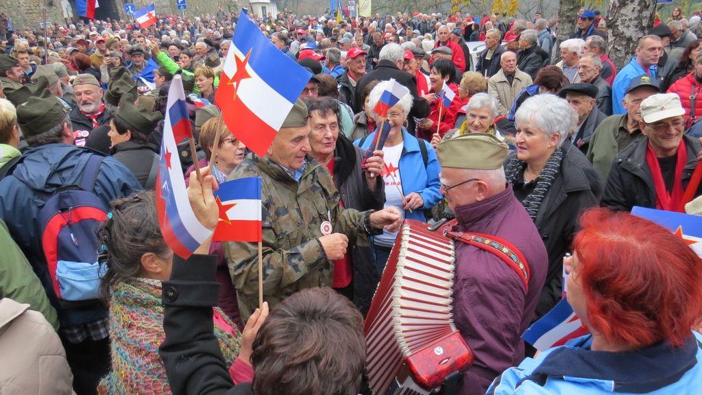 »Slovencem je dovolj Evropske unije in Nata«
