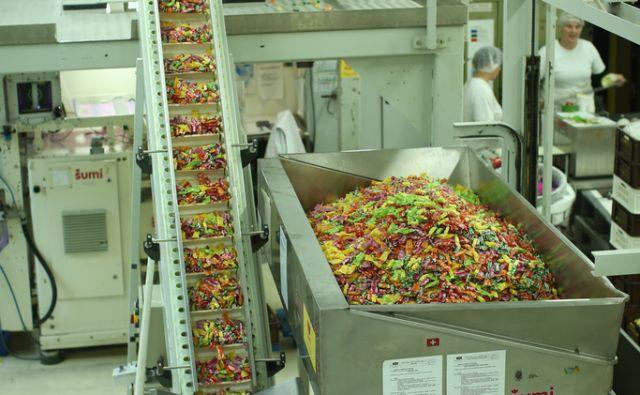 Tovarna bonbonov Šumi praznuje 140 let obstoja. Krško, Slovenija 23.novembra 2016 [bonboni,Tovarna Šumi,sladkarije,tovarne,proizvodnja,delavci]