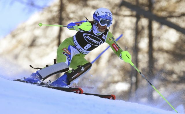 Slovenia's Ilka Stuhec competes on her way to win an alpine ski, women's World Cup combined, in Val d'Isere, France, Friday, Dec. 16, 2016. (AP Photo/Marco Tacca)