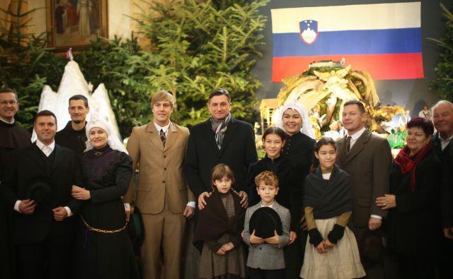 Predsednik Borut Pahor si je ogledal jaslice v cerkvi sv. Antona Padovanskega, ki so letos posvečene 25. obletnici samostojnosti Slovenije. Ljubljana, Slovenija 27.decembra 2016. [Pahor