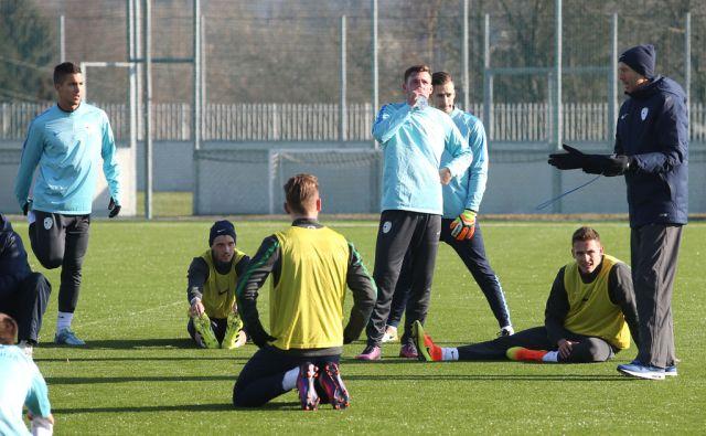 Trening nogometne reprezentance Kranj 4.1.2017 [nogomet,reprezentanca]