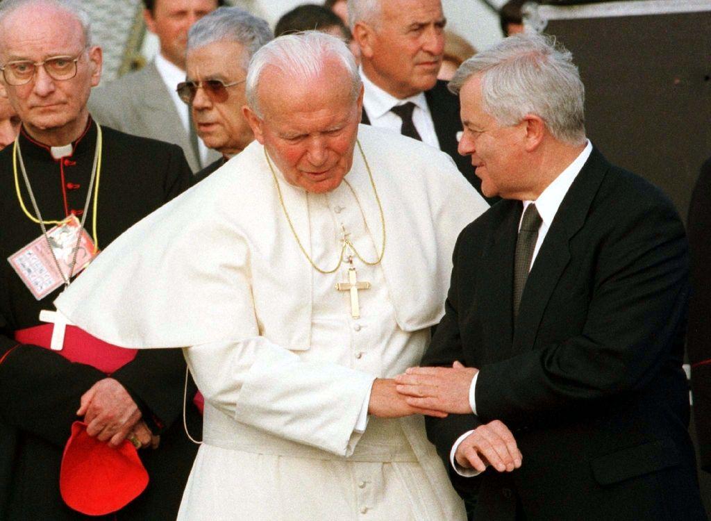Papež se je osebno zavzel za priznanje