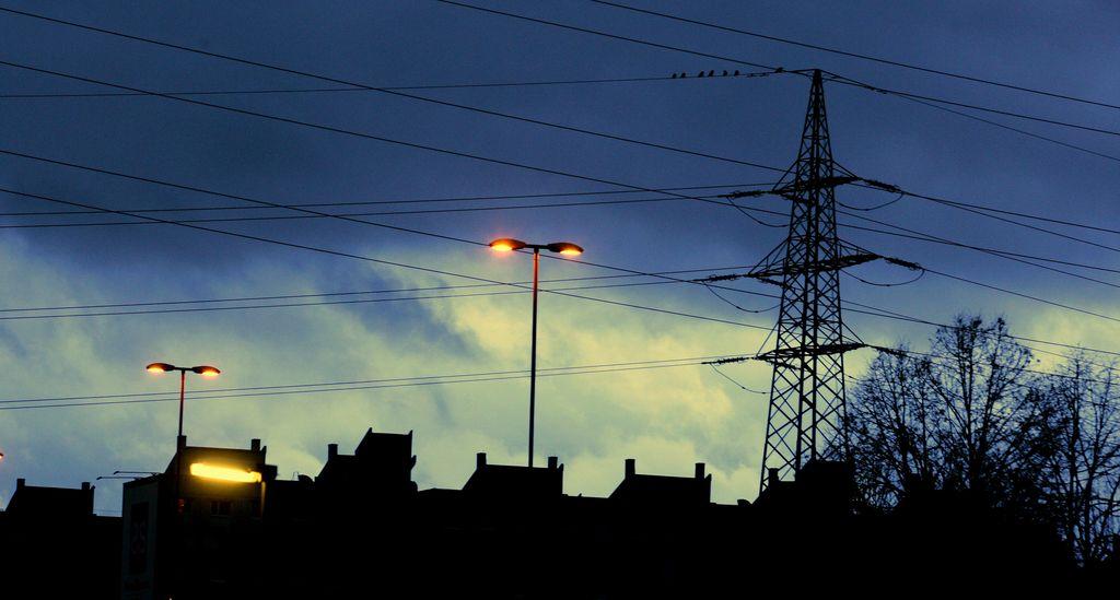 Poraba elektrike junija večja