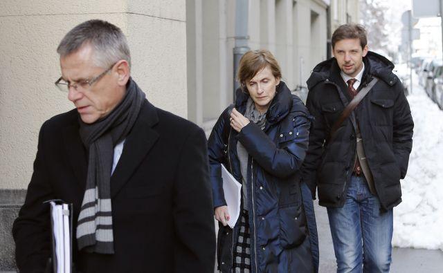 Nina Betetto pred ministrstvom za pravosodje 16.januarja 2017 [Nina Betetto,tožilci,pravosodje]