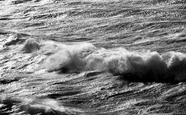 [valovi,veter,morje]