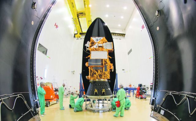 Sentinel 2B : Fairing  in S3B