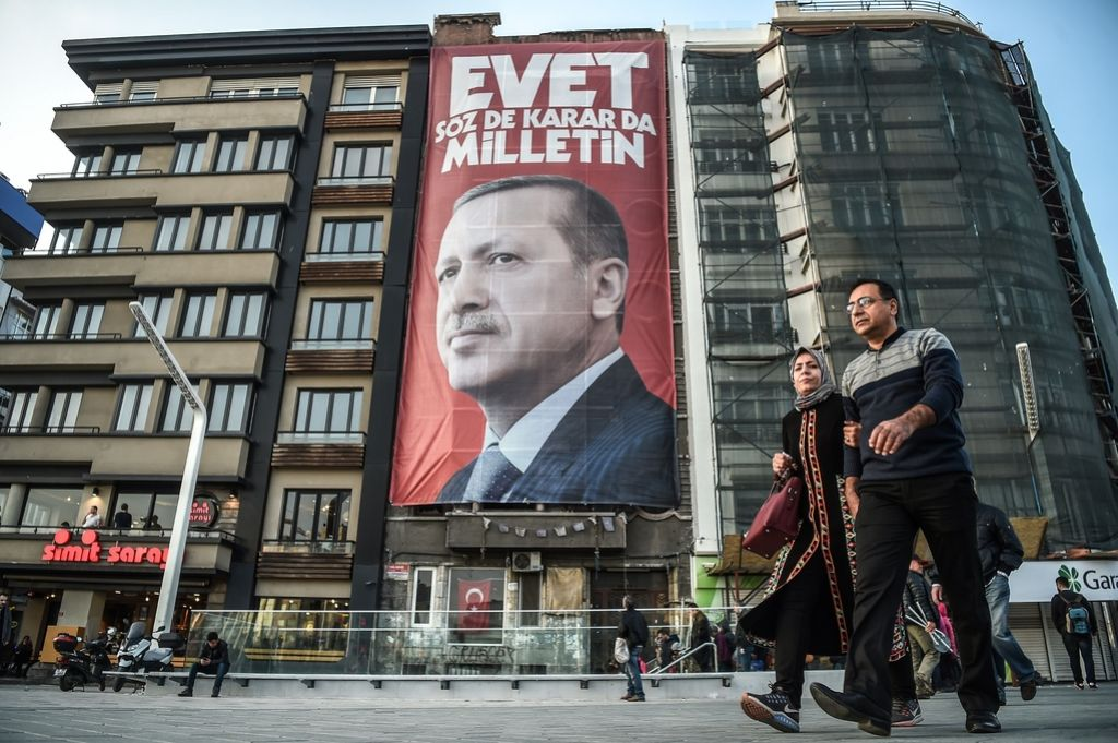 Nizozemska letalu turškega ministra ni dovolila pristati