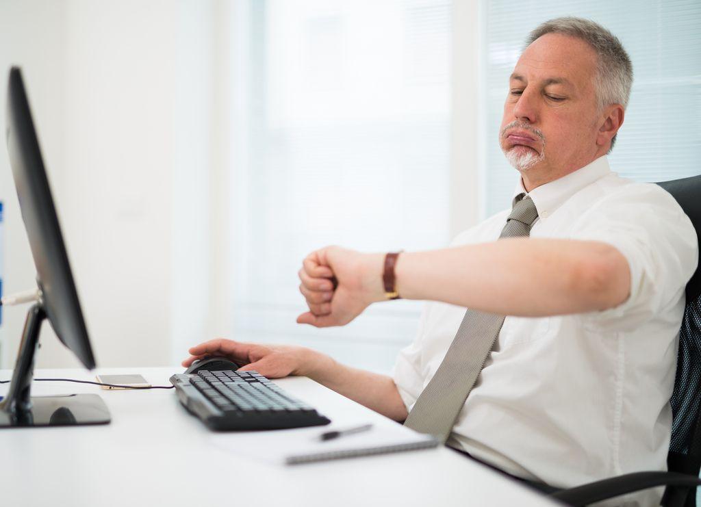 Zaradi slabe organizacije dela in stresa je odhod v pokoj – odrešitev
