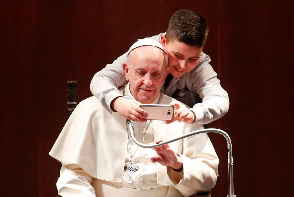 Pomisleki: Papež – skrbnik človeštva in ne cerkve