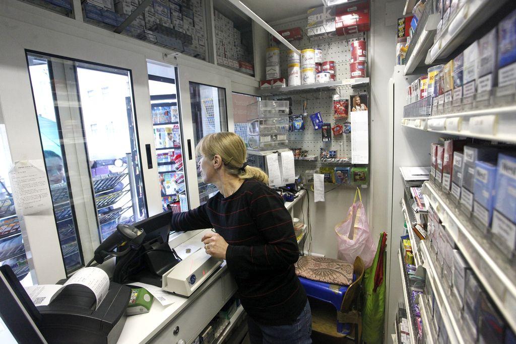 Trgovci bodo omejeni pri oglaševanju in pospeševanju prodaje tobaka