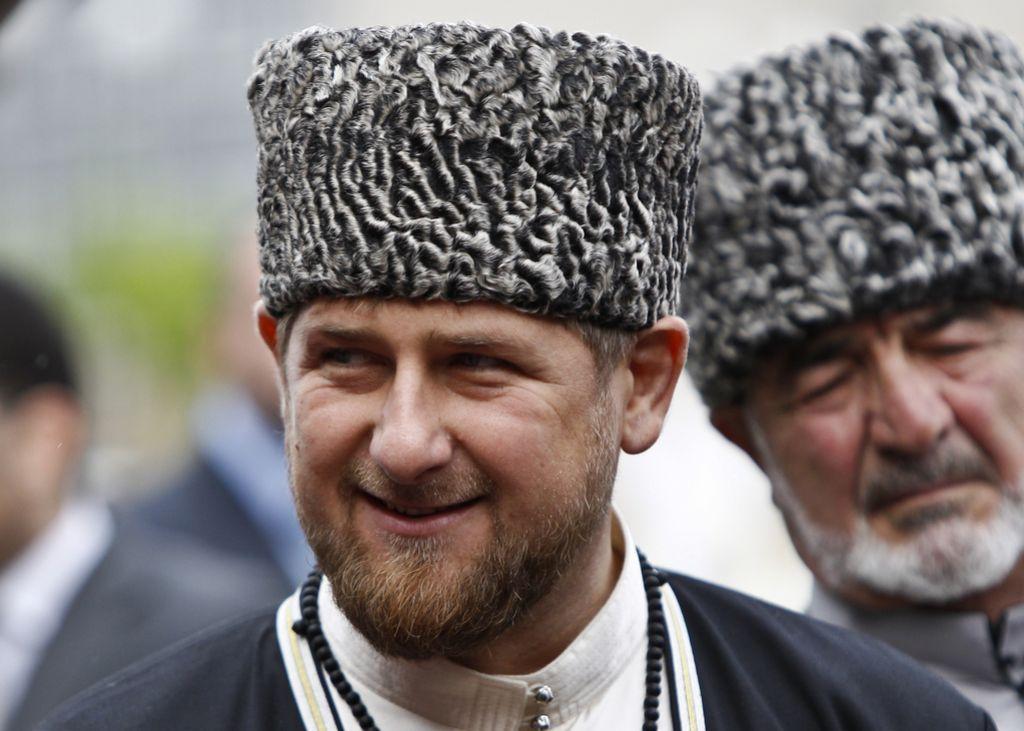 Iz pralnice denarja tovarna za čečenskega predsednika