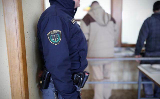 Pravosodni policisti v zaporu Dob, na Dobu, 17. marca 2017. [zapori,kazni,zaporniki,pazniki,pravosodni policisti,policija]