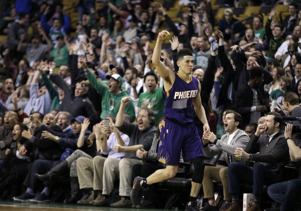 NBA: Neverjetnih 70 točk Devina Bookerja (VIDEO)