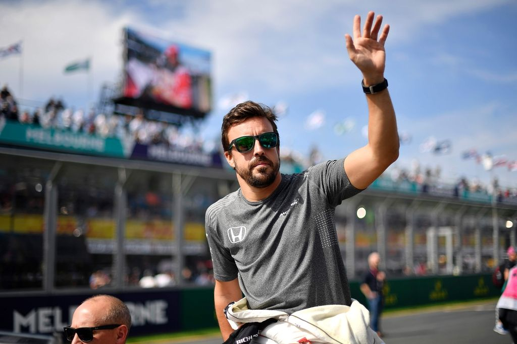 Fernando Alonso vendarle ostaja pri McLarnu