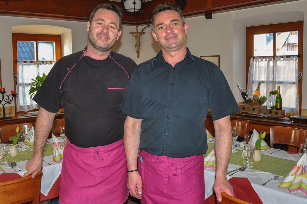 Nedelo izbira: gostišče Tulipan, Lesce