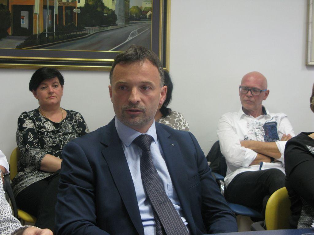 Gabrovca je iz tekme za direktorja celjske bolnišnice izločilo mnenje ministrstva