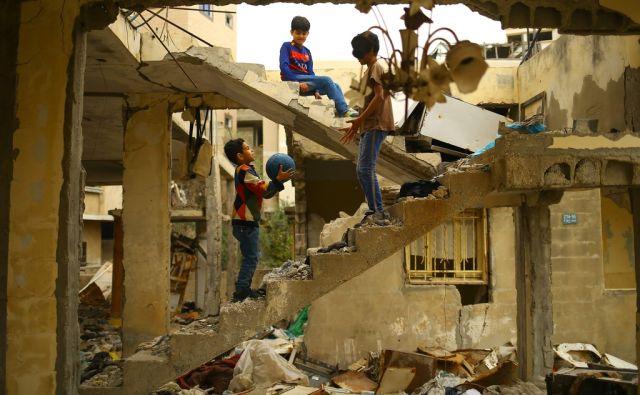 TOPSHOT-PALESTINIAN-GAZA-CHILDREN