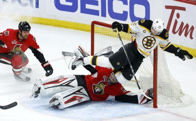 APTOPIX Bruins Senators Hockey