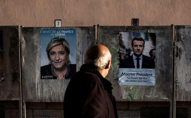 FILES-FRANCE2017-VOTE-POSTER