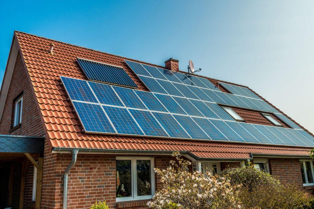 Deloindom: Boljši časi za sončne elektrarne
