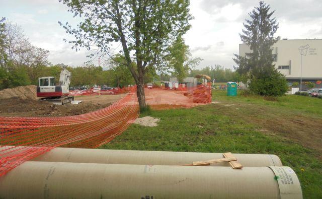 Gradnja ob Pesarski