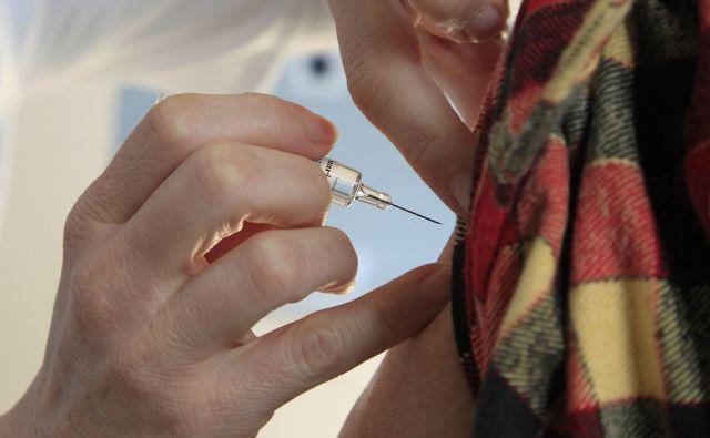 Slovenija Ljubljana 21.10.2010 - Cepljenje proti gripi. Foto: Leon VIDIC/DELO