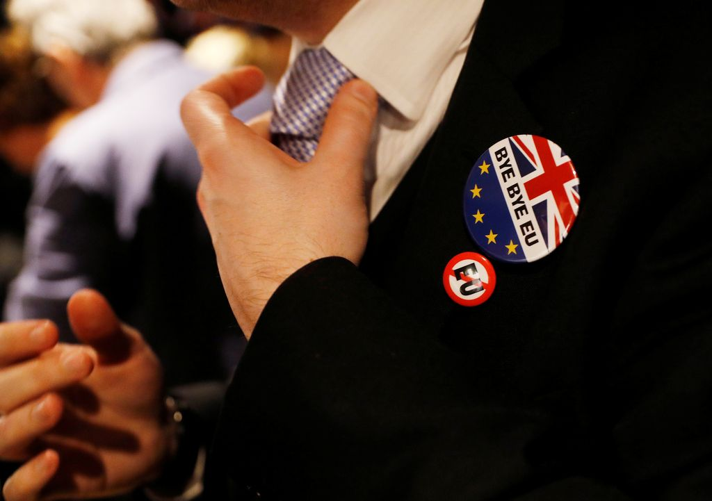 Bruselj Londonu: Računi morajo biti poravnani