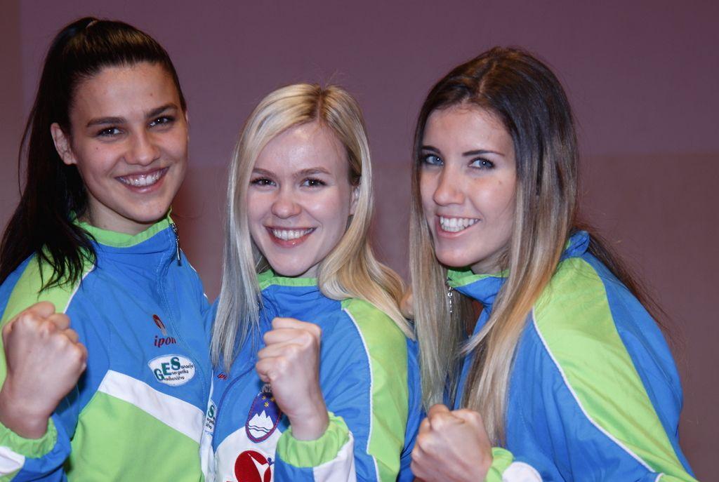 Slovenske karateistke jutri po bron