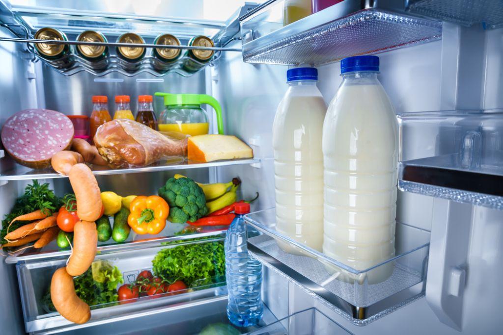 Deloindom: Mleko ne sodi v vrata hladilnika