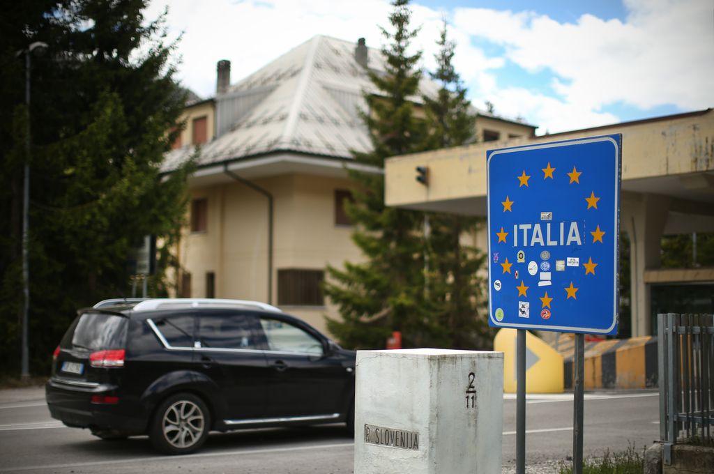 Kolone na Hrvaško, v Avstrijo in še v Italijo
