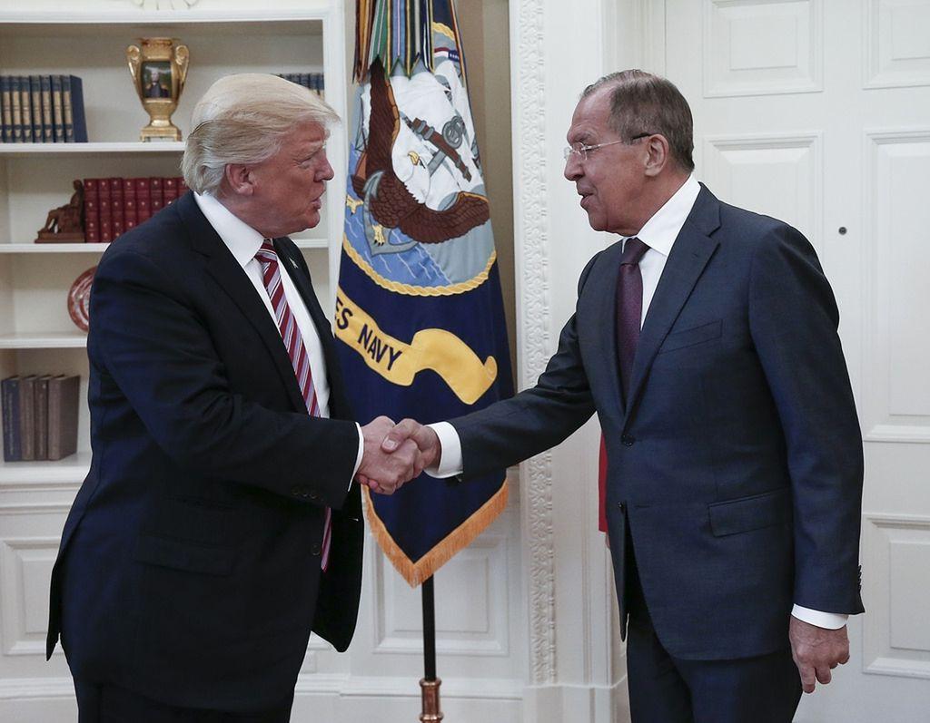 Rusija in Zahod: Kjer se prepirata dva ...