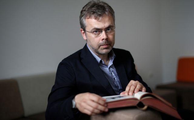 Dr. Borut Škodlar, psihiater in psihoterapevt, v Ljubljani, 11. maja 2017. [Borut Škodlar,doktorji,psihiatri,psihoterapevti,psihiatrija,psihoterapija,zdravniki,zdravstvo,zdravje,duševno zdravje]