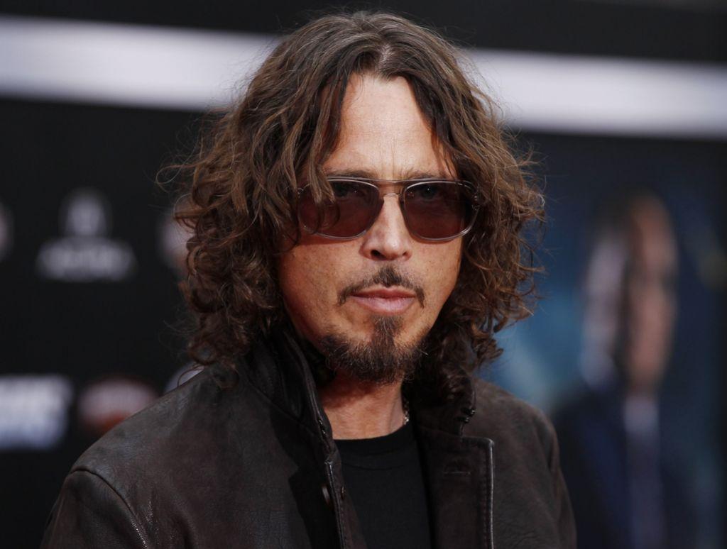 Umrl je pevec Chris Cornell, član skupin Soundgarden in Audioslave
