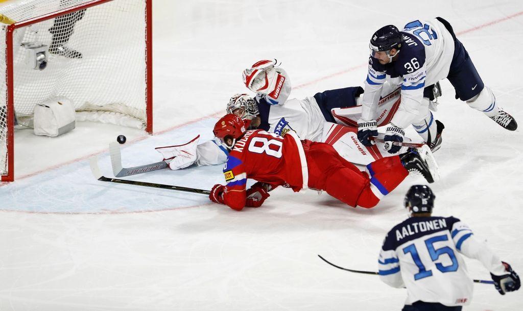 Hokejsko SP: po vodstvu s 4:0 so se morali Rusi potruditi za bron