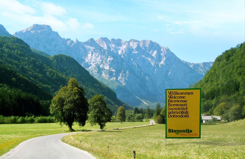 Slovenija od dežele do države