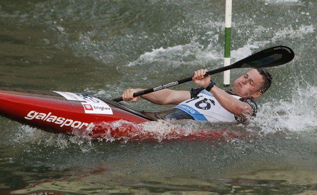 Na sliki Jakše Žan. Paralelni slalom za nagrado mesta Ljubljana, 27. maj 2017 [kajakši,kanuisti,Ljubljanica,Ljubljana,paralelni slalom,Jakše Žan]