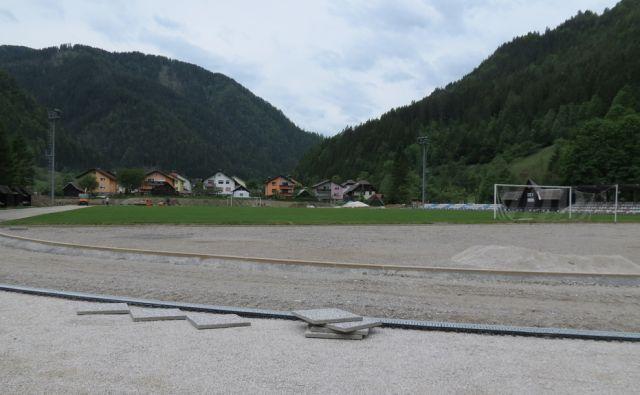 Atletski stadion v Črni