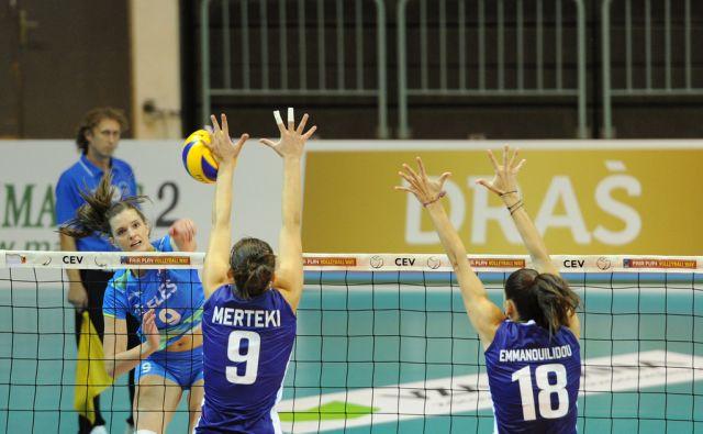 Mlakar attacking during match between Greece and Slovenia
