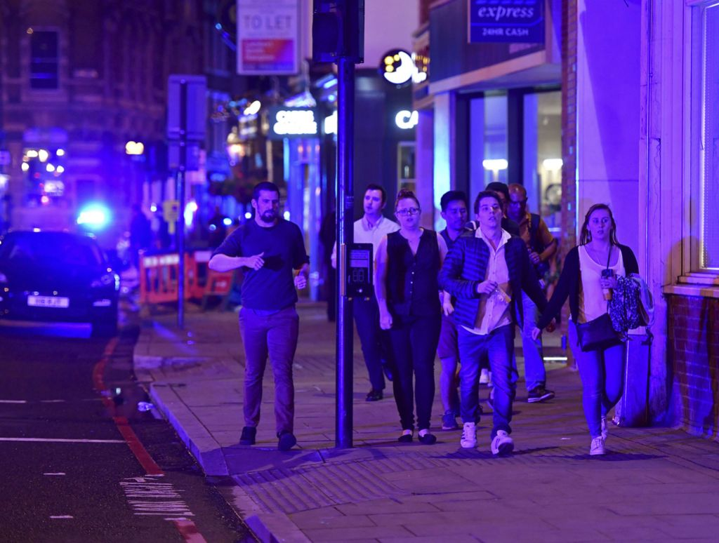 V Londonu po terorističnem napadu aretirali 12 ljudi