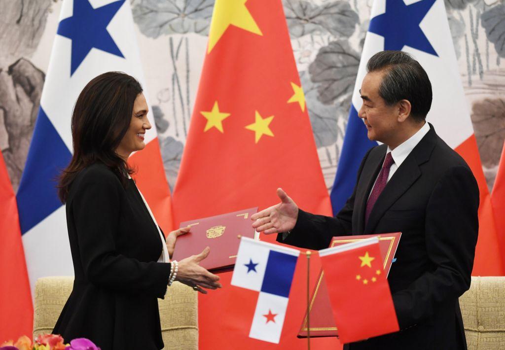 Panama je prestopila v kitajski tabor