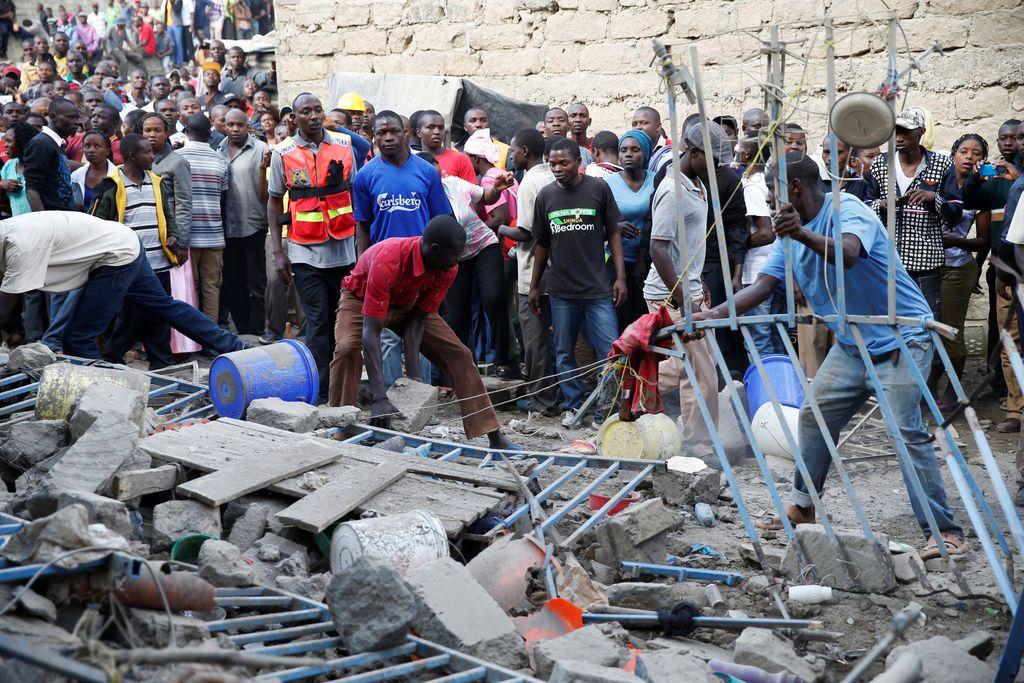 Kenija: Po zrušenju zgradbe pogrešajo 15 ljudi