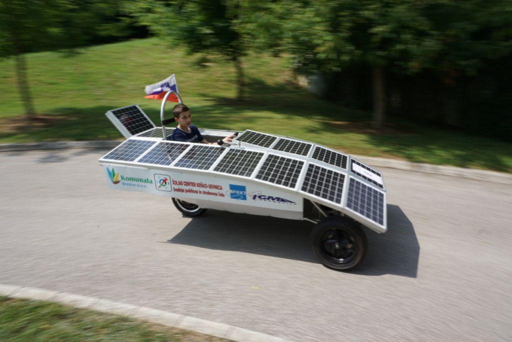 Cilj je daljinsko vodeno solarno vozilo