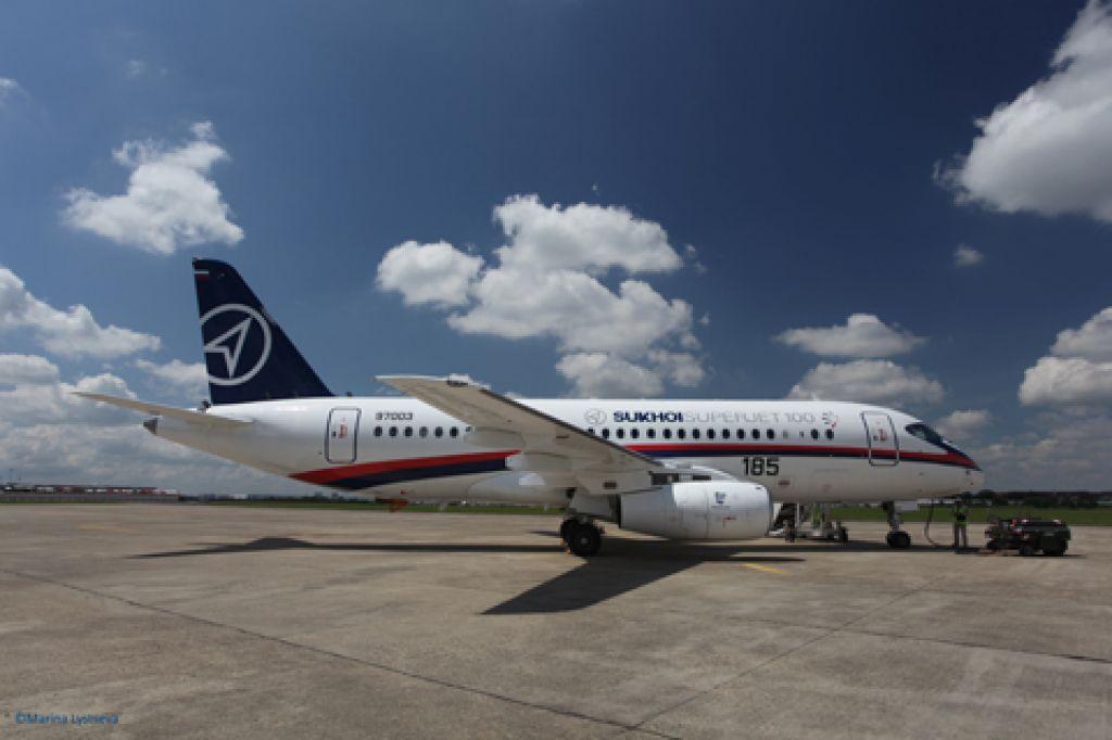 Rusi z Adrio Airways v pogovorih za dobavo 12 suhojev