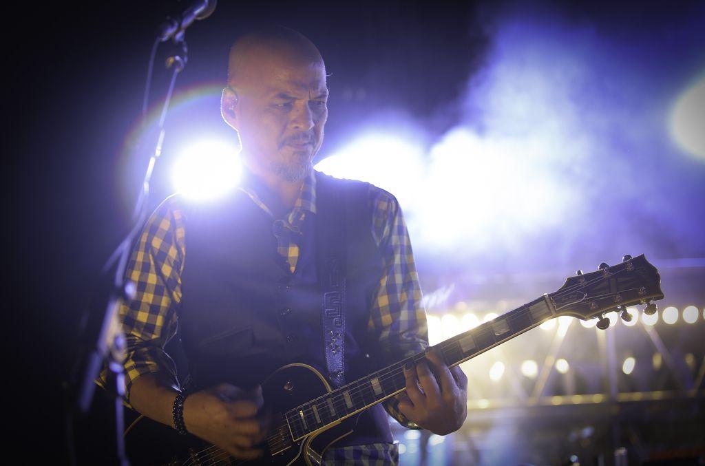 Pixies in večer črnega popa