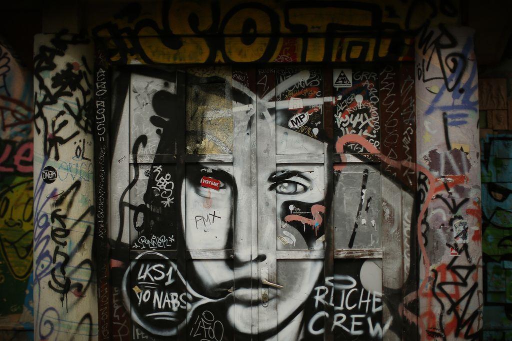 Med politiko, vandalizmom in umetnostjo