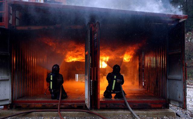 IG, 30.03. 2009, plinska hiša, poligon za urjenje gasilcev. Foto: ALES CERNIVEC/Delo